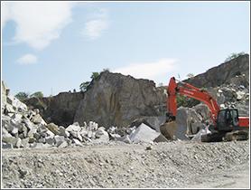 庵治石の採石工程